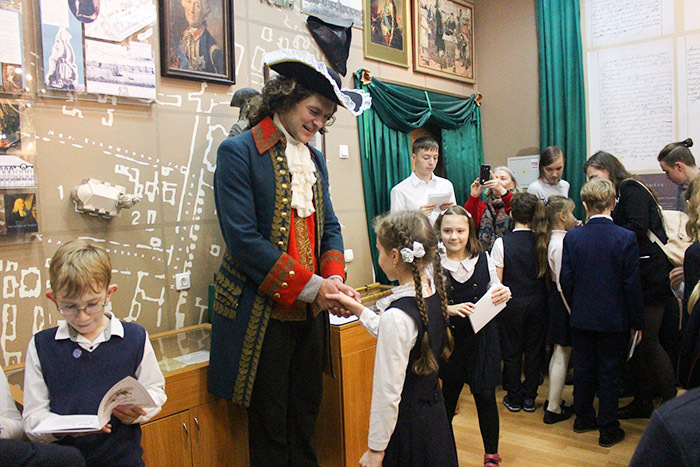 Как учатся и работают в старейшей школе Петербурга — истории учителей, выпускников и учеников Петришуле