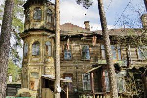 Дачу Кочкина в Сестрорецке восстановят по программе «Рубль за метр». Деревянное здание обрушилось в 2018 году