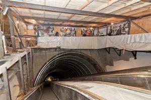 Работники подрядчика «Метростроя» устроили забастовку из-за долгов по зарплате, пишет «Фонтанка»