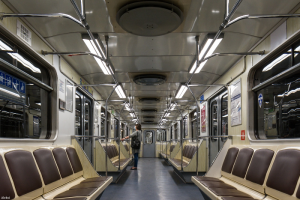 В Смольном обсуждают повышение стоимости проезда на метро до 62 рублей, пишет «Фонтанка»