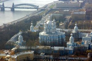 В «Смольнинском» уже год не могут выбрать главу округа. Очередное заседание сорвали неизвестные, а затем его бойкотировала часть депутатов