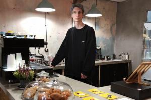 На Казанской открылась кофейня Algorithm — со спешелти-кофе и завтраками