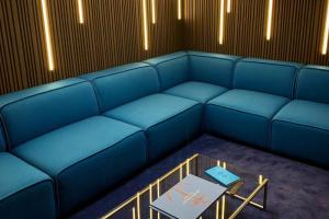 В аэропорту Пулково открыли бизнес-зал «Кронштадт» в морском стиле — с зоной для сна и детской комнатой