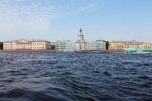 Шторм «Айла» обесточил тысячи домов в Финляндии. Что будет, когда он придет в Петербург? Отвечает главный синоптик города