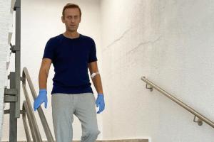 «Я не узнавал людей и не понимал, как разговаривать»: Навальный рассказал, как проходит его восстановление