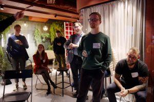 Прошла первая офлайн-встреча Клуба друзей «Бумаги». Как мы провели дебаты, на которых спорили о городских проблемах