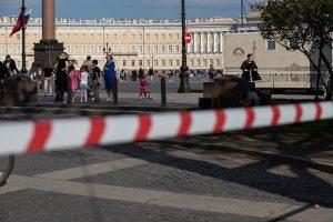 Оставшиеся ограничения против коронавируса в Петербурге продлили до 11 октября