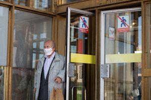 В Смольном допустили введение обязательной самоизоляции для пожилых петербуржцев