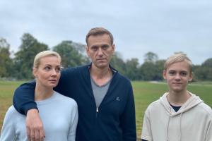 «Санкции против всей страны не работают». Навальный призвал ЕС ввести санкции против окружения Путина