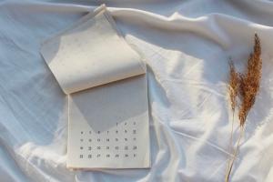 Выходные и праздничные дни 2021 года. Календарь «Бумаги»