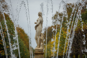 «Петергоф» в 2020-м посетило на 60 % меньше туристов, чем в прошлом году