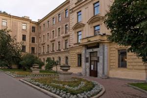 Университет Павлова вновь начнет принимать пациентов с COVID-19 с 1 ноября. Следующая на очереди — Мариинская больница