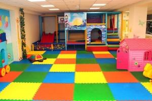«Без работы остаются десятки тысяч петербуржцев»: владельцы детских игровых центров попросили Беглова не запрещать их работу