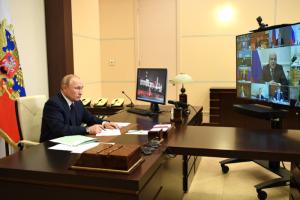 Путин потребовал выделить регионам России 10 миллиардов рублей — на маски, перчатки и тесты на COVID-19