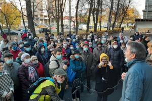 В Петербурге прошел народный сход в защиту здания ВНИИБ на 2-м Муринском проспекте