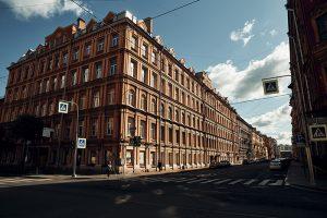 За три месяца число свободных помещений в центре Петербурга достигло максимума за пять лет. Большая часть из них — на Старо-Невском проспекте