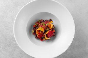 В Петербурге запустили онлайн-ресторан «Шесть сезонов». Еду готовят в кухне на Васильевском острове