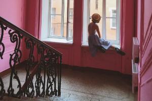 Искусствоведка ведет блог о городе с рубрикой «Петербург по средам». Каждую неделю она рассказывает про тайные места и интересные здания