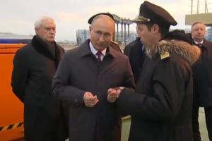 Пробки, перекрытия и просьба не гулять на намывных территориях. Что происходит в Петербурге из-за визита Путина