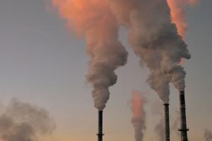 В октябре в Петербурге зафиксировали повышенный уровень загрязнения воздуха. Вот какие районы пострадали