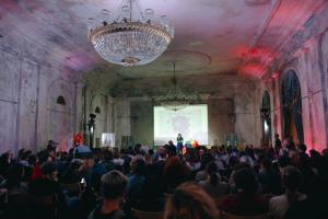 Партнерам ЛГБТ-фестиваля «Бок о бок» поступили угрозы с требованием удалить всю информацию о мероприятии