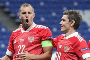 «Зенит» выдал Артему Дзюбе капитанскую повязку после скандала с интимным видео. Матч закончился со счетом 0:0