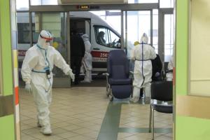 В Петербурге выросло число госпитализаций в коронавирусные стационары — на 9,2 %. За неделю в больницы поступили 5465 пациентов