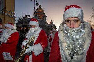 Каким будет Новый год в Петербурге в разгар пандемии — без салюта, концерта на Дворцовой и встречи с Дедом Морозом