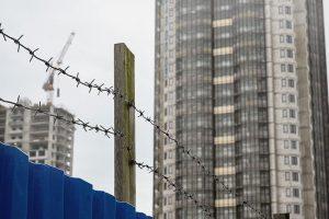 ЖК «На Заречной» и «Три апельсина» наконец-то должны достроить — квартиры ждут 2 тысячи семей. Как дольщики годами боролись за свое жилье и что случилось с застройщиком