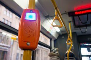 Проезд в метро и автобусе подорожает на 5 рублей. Тарифы поднимают второй год подряд — на этот раз из-за пандемии