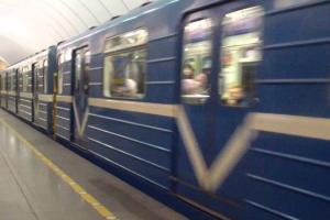 Петербургское метро не будет работать в новогоднюю ночь. Но будет открыто в Рождество