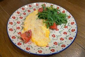 Как приготовить идеальный омлет? Выберите свежие яйца и вращайте сковороду