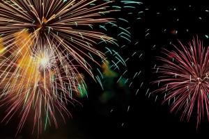 Как праздновать Новый год во время пандемии? Роспотребнадзор опубликовал рекомендации