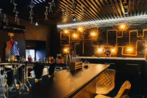 В Петербурге запустили «карту сопротивления» баров. Более 100 заведений намерены работать вопреки ограничениям Смольного