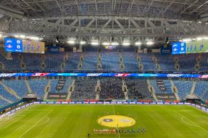 РПЛ потребовала объяснений после стычки фанатов на «Газпром Арене». В «Зените» заявили, что болельщики «Спартака» купили билеты на черном рынке. Обновлено