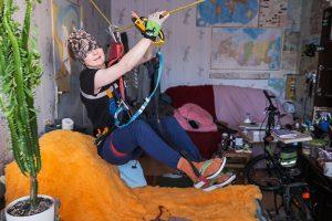 Каково жить в коммуналке во время пандемии? Фотопроект о 6-комнатной квартире на Васильевском острове