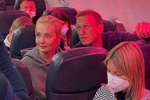Что о задержании Алексея Навального говорят в России и мире? Реакции политиков, политологов, правозащитников и юристов