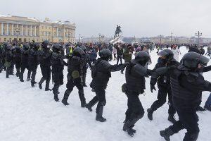 Почему на митинги 23 января пришло так много людей, отличаются ли эти протесты от предыдущих и чем они могут закончиться? Отвечают политологи