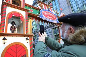 В социальных сетях обсуждают рождественскую ярмарку на Манежной. Организаторов критикуют за проблемы с безопасностью