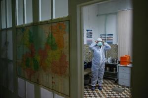 Что ученые узнали о COVID-19, как проходит вакцинация и какие проблемы есть в Петербурге и Ленобласти? Восемь важных текстов «Бумаги» о коронавирусе