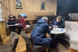 Как петербуржцев наказывают за нарушение коронавирусных ограничений? Вот статистика по делам о посещении ночных баров и об отсутствии СИЗ