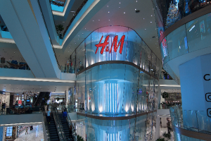 H&M Group откроет в Петербурге магазины H&M Home, COS и &Other Stories