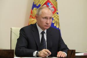 Путин поручил со следующей недели начать массовую вакцинацию россиян от коронавируса