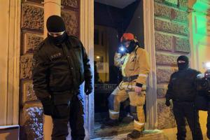 В Петербурге опечатали четыре работавших ночью бара и составили протоколы на 83 посетителя. Беглов говорит, что нарушений всё меньше