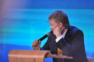 Песков ответил на вопросы про Навального. Он сказал, что в Кремле не опасаются массовых протестов