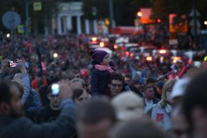 В соцсетях десятков петербургских школ появились одинаковые посты с просьбой «защитить детей» и не пускать их на митинг за Навального