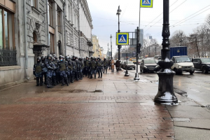 Как в Петербурге готовятся ко второму несогласованному митингу: огражденный центр, сотни сотрудников полиции и аресты активистов