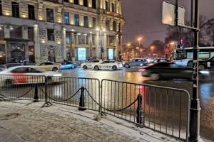 Как выглядят Дворцовая площадь, Невский проспект и Гостиный двор накануне протестного шествия — 22 фотографии