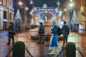 В новогодние праздники в Петербурге снизилась официальная заболеваемость COVID-19 и освободились койки. Но врачи жалуются на загрузку и рост числа тяжелых пациентов