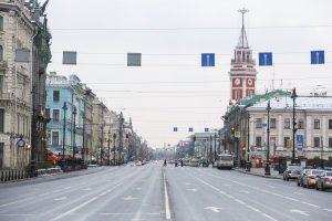 В Петербурге перед очередной акцией протеста перекрыли центр. Посмотрите на пустой Невский